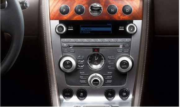 2013 Aston Martin DB9 Radio