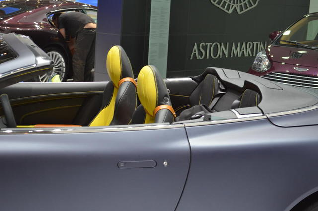 2013 Aston Martin Virage Seats