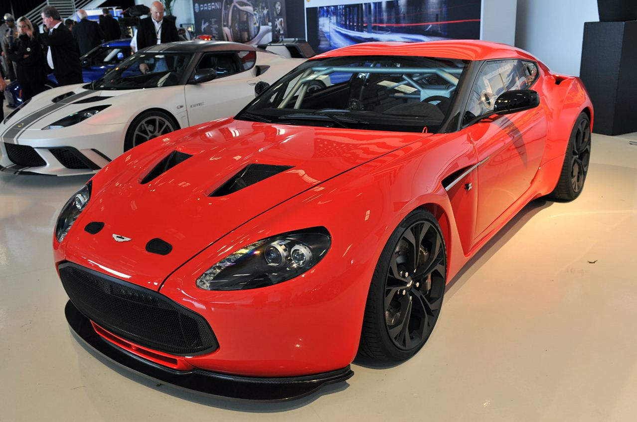 2013 Aston Martin v12 Zagato Photos