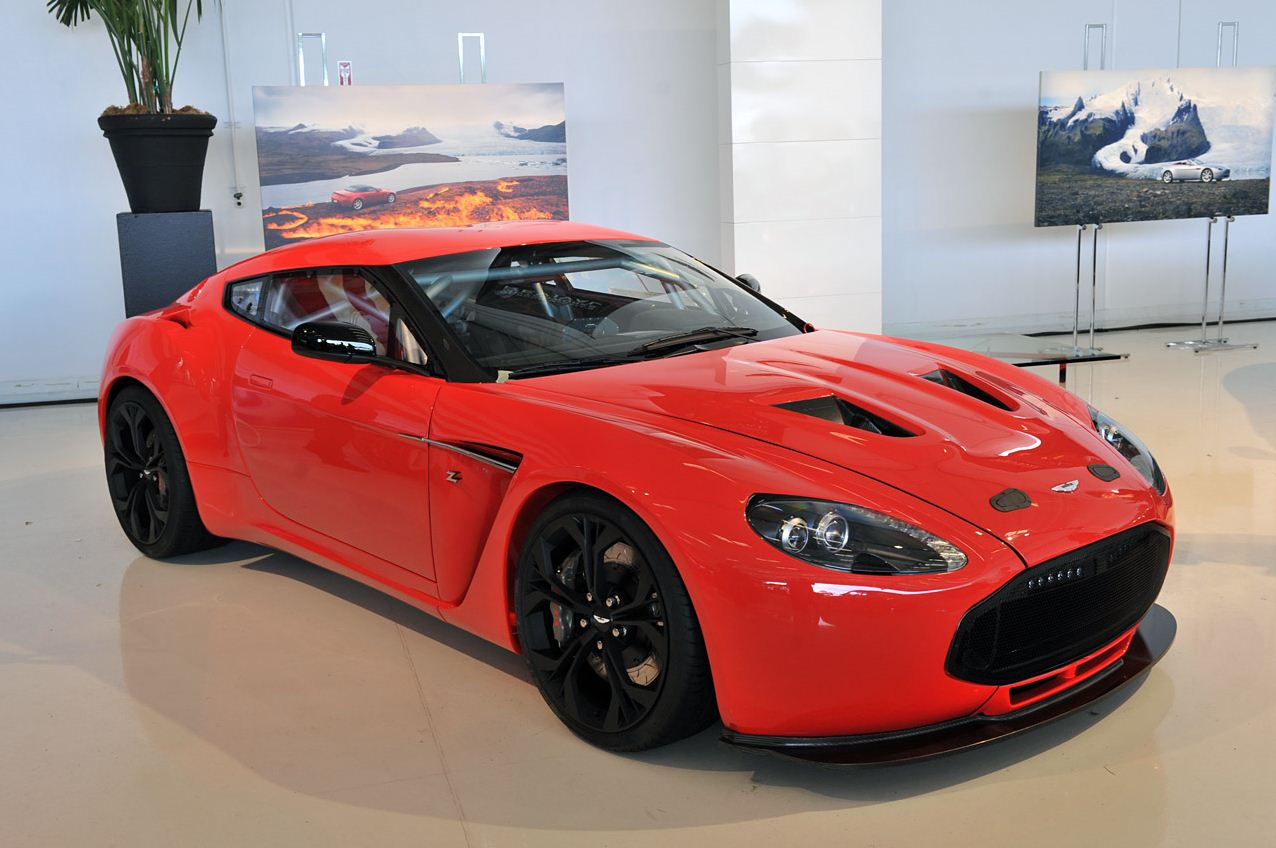 2013 Aston Martin v12 Zagato Red