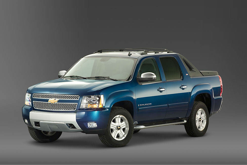 2013 chevrolet avalanche topismag com. Cars Review. Best American Auto & Cars Review