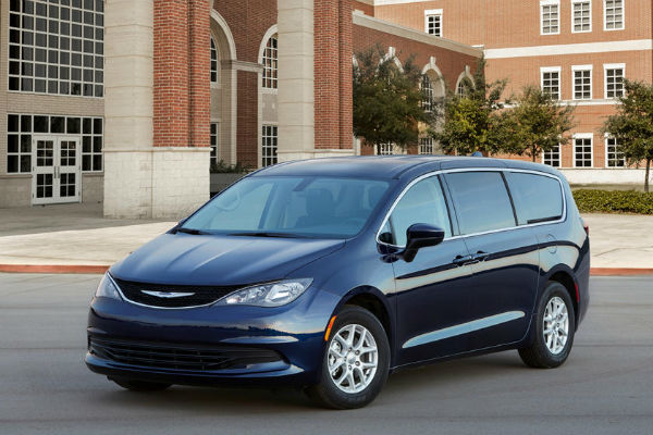 2020 Chrysler Town And Country Touring