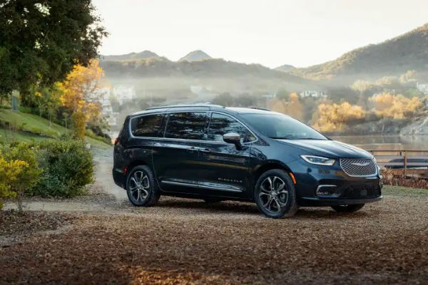 Town And Country Chrysler Pacifica 2020